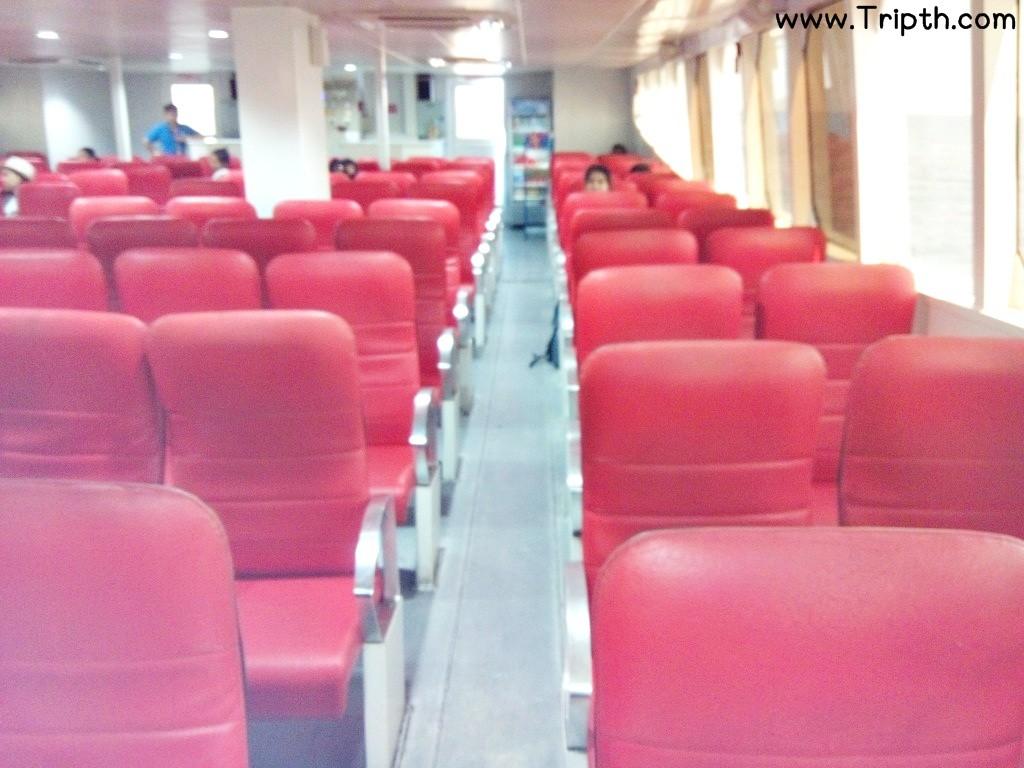 เบาะนั่งสะอาดเรือคาตามาราน