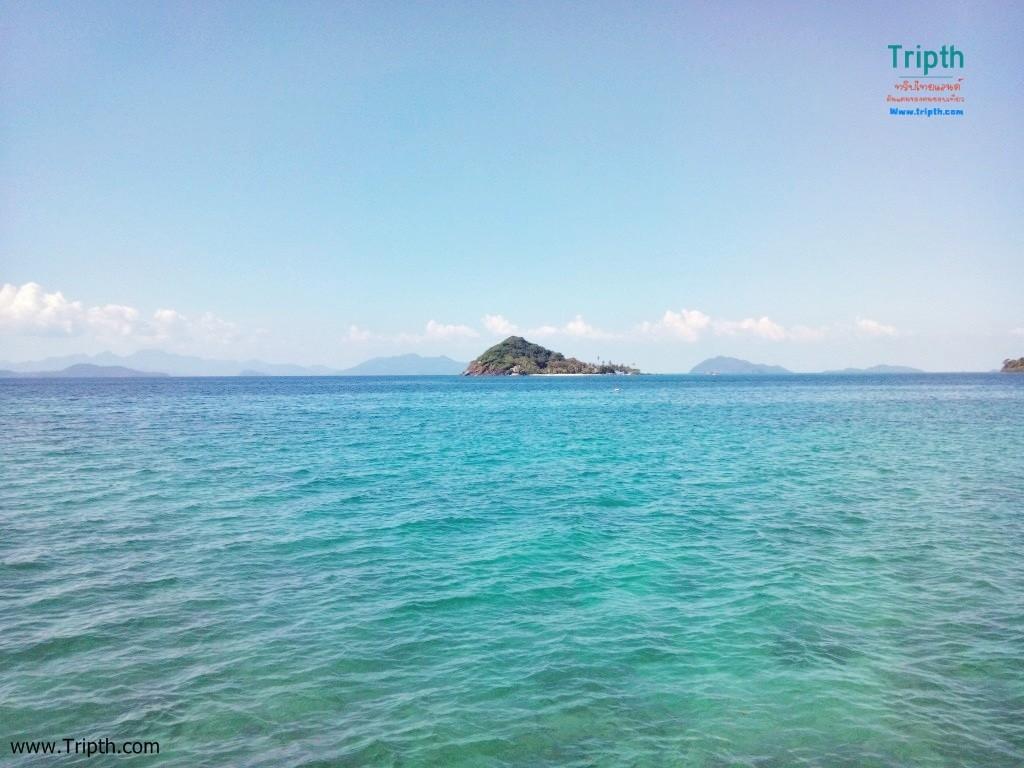 ฝั่งตรงข้าม คือ เกาะขาม
