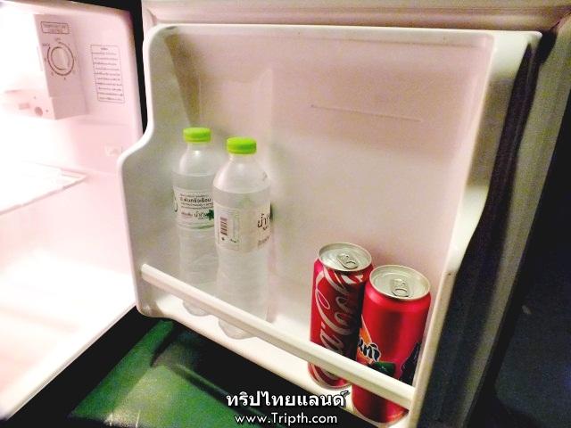 ภายในห้องพักโมร็อกโฮมรีสอร์ท มีตู้เย็นด้วย