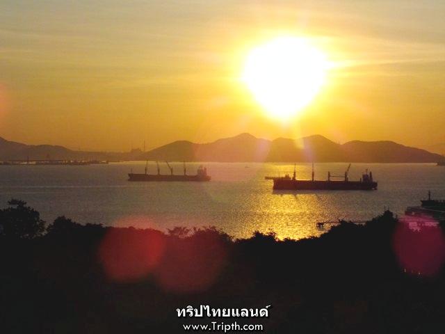 ชมพระอาทิตย์ขึ้นที่เกาะสีชัง
