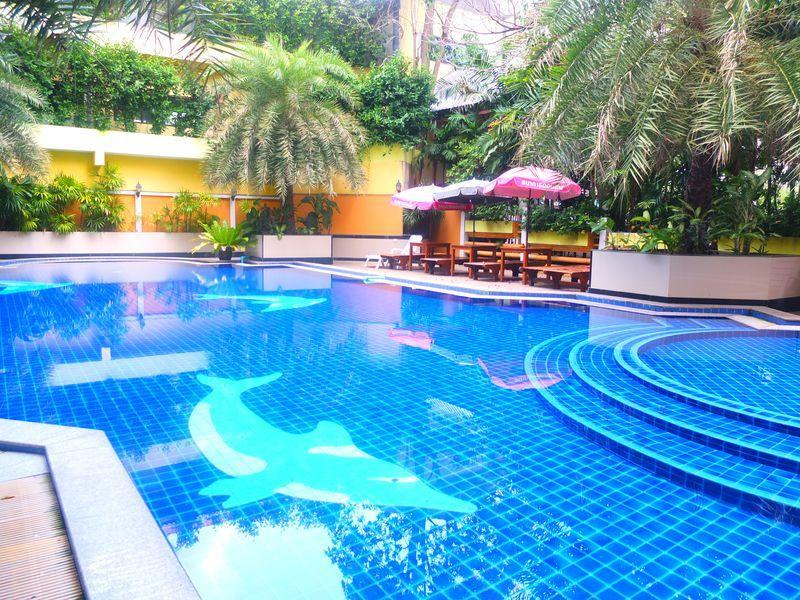 จอมเทียน ฮอลิเดย์ พัทยา โฮเต็ล (Jomtien Holiday Pattaya Hotel)