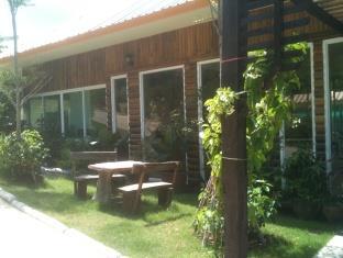 ภูตะวัน แคมป์ แอนด์ รีสอร์ท (Phutawan Camp and Resort)