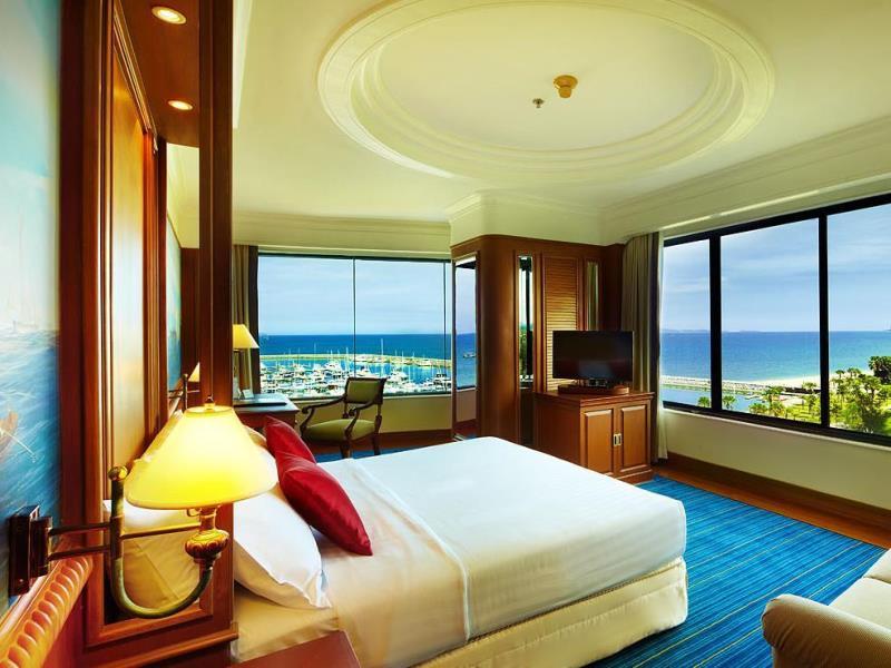 โรงแรมโอเชี่ยน มาริน่า ยอชท์ คลับ (Ocean Marina Yacht Club Hotel)