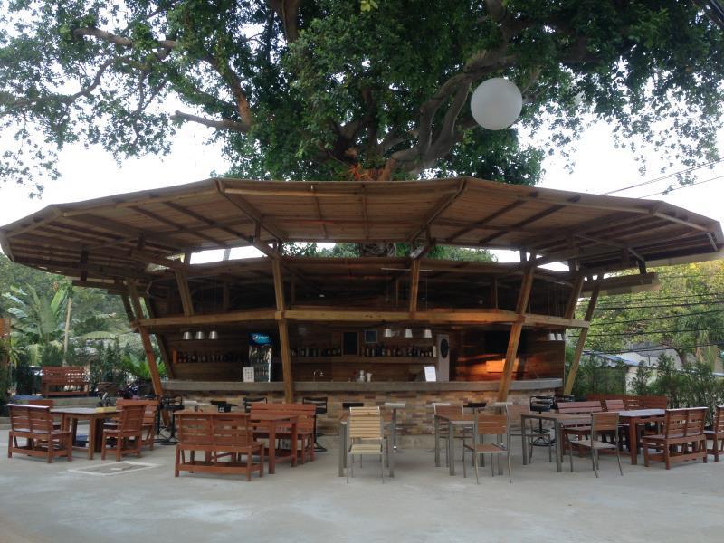 กรีน เบย์ เสม็ด รีสอร์ท (Green Bay Samed Resort)