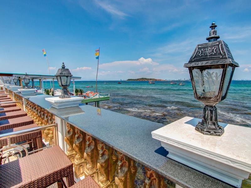 ซันโตซา รีสอร์ท (Suntosa Resort)
