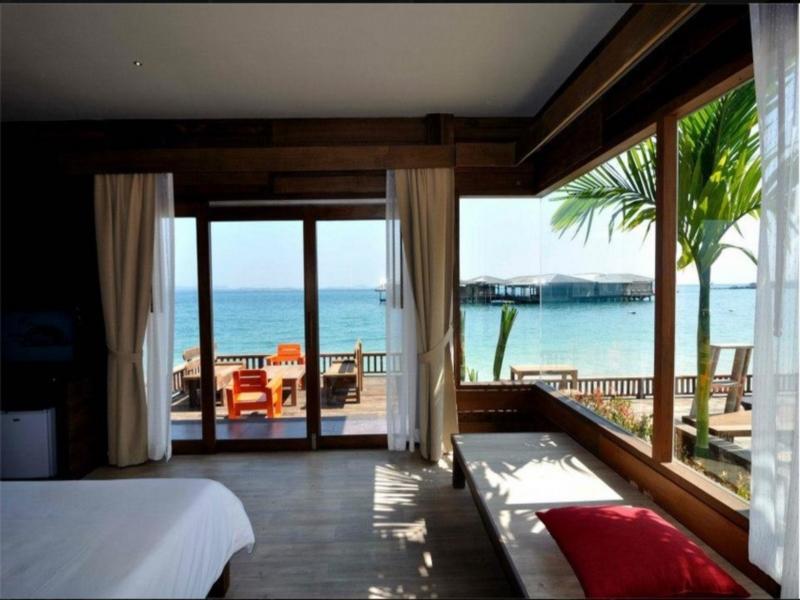 บ้านพลอยซี (Baan Ploy Sea)
