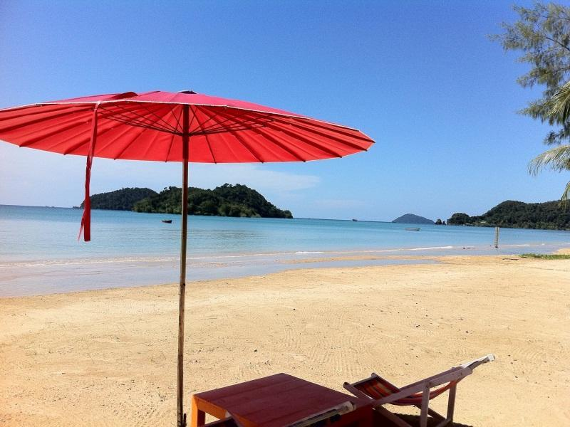 สกาย บีช รีสอร์ท เกาะหมาก (Sky Beach Resort Koh Mak)