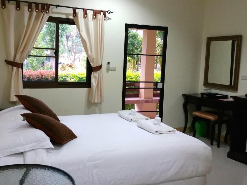 เขาใหญ่ ชิล รีสอร์ท (Khao Yai Chill Resort)