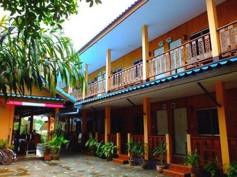 แทมารีนด์ เกสท์เฮาส์ กาญจนบุรี (Tamarind Guesthouse Kanchanaburi)