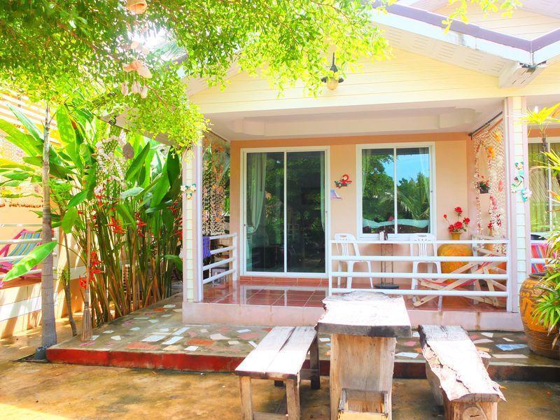 โรงแรมรังนกน้อย แอท เกาะล้าน (Rang Nok Noi at Koh Larn Hotel)