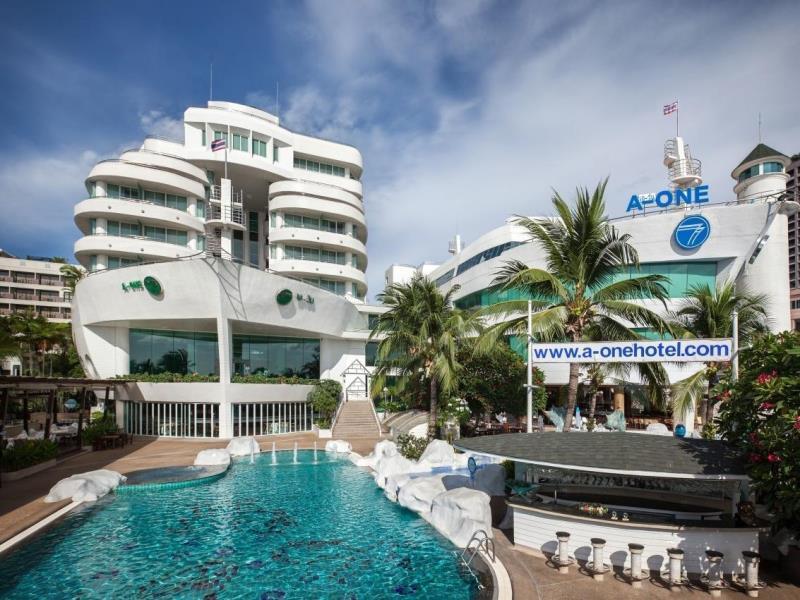 โรงแรมเอ-วัน เดอะ รอยัล ครูซ (A-One The Royal Cruise Hotel)