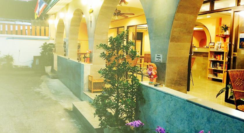 หัวหินสตาร์ โฮเทล (Hua Hin Star Hotel)