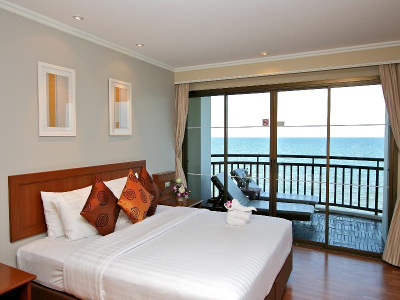 อิมพีเรียล หัวหิน บีช รีสอร์ท (Imperial Hua Hin Beach Resort)
