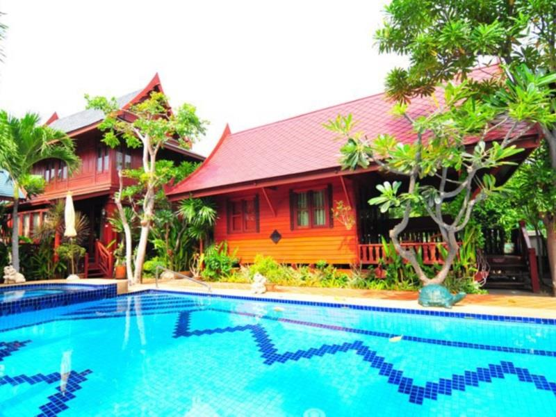 เรือนกนก (Ruen Kanok Thai House)