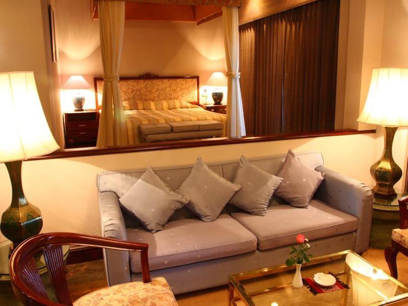 โรงแรมพรพิงค์ ทาวเวอร์