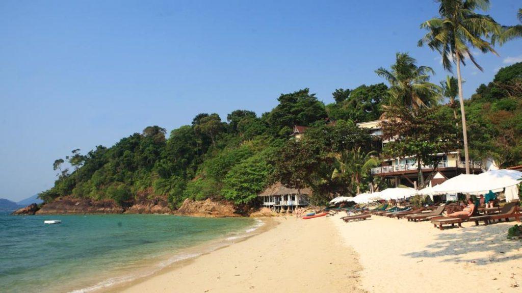 เกาะช้าง คลิฟ บีช รีสอร์ท (Koh Chang Cliff Beach Resort)