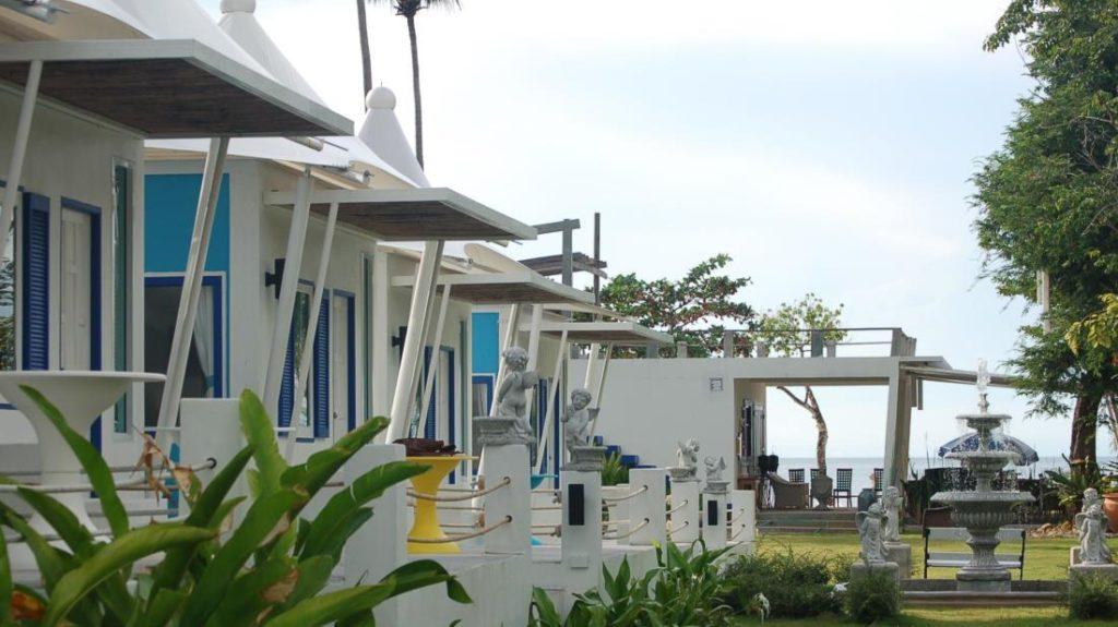 เดอะ ไวท์น็อต รีสอร์ท (The White Knot Resort)