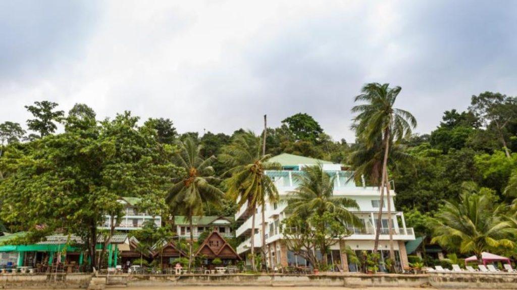 แหม่ม ไก่แบ้ บีช รีสอร์ท (Mam Kai Bae Beach Resort)